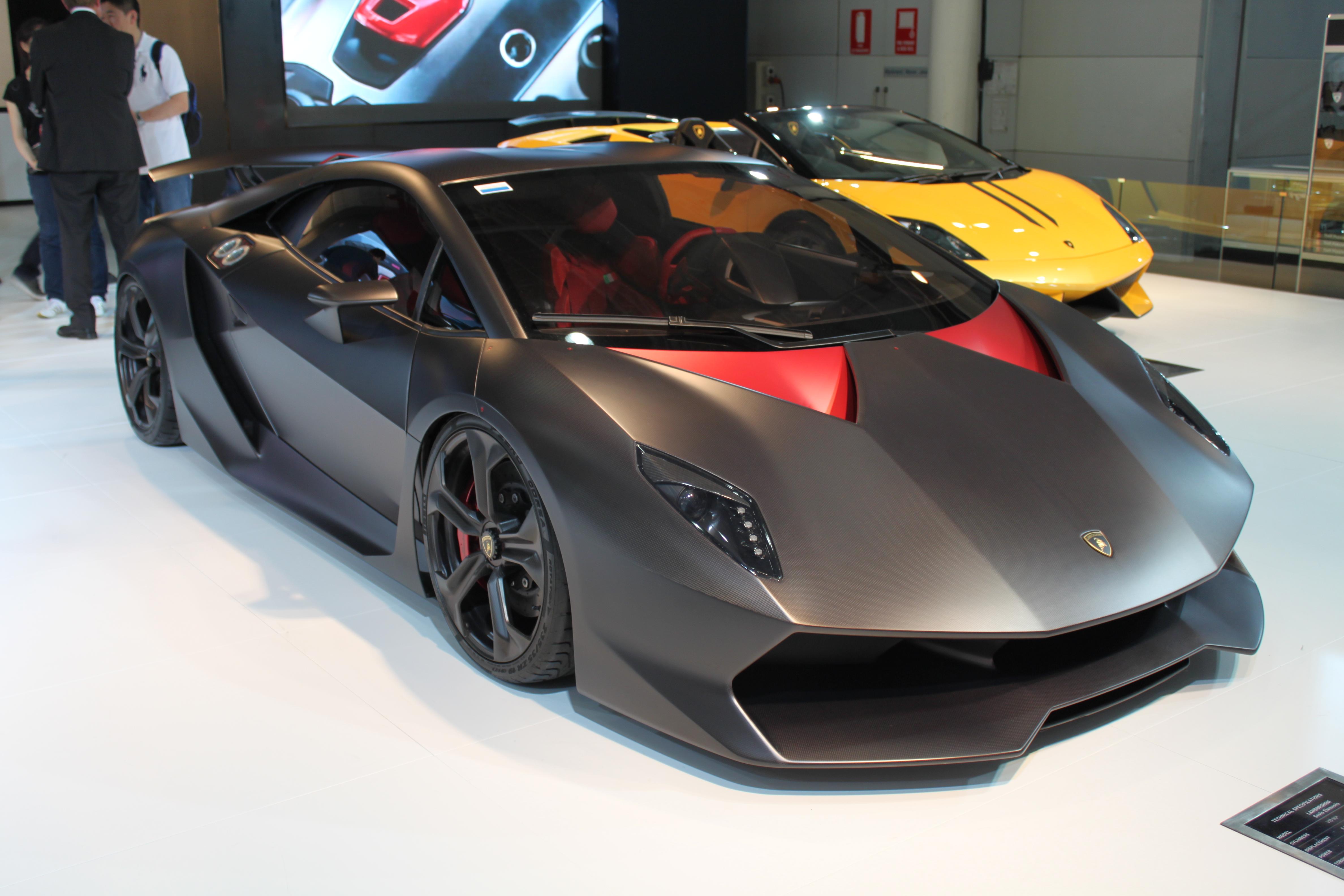 Lamborghini Sesto Elemento 02