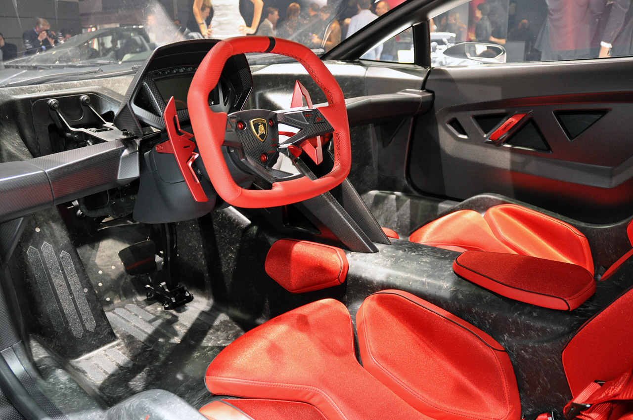 Photo:  Lamborghini Sesto Elemento internals 08