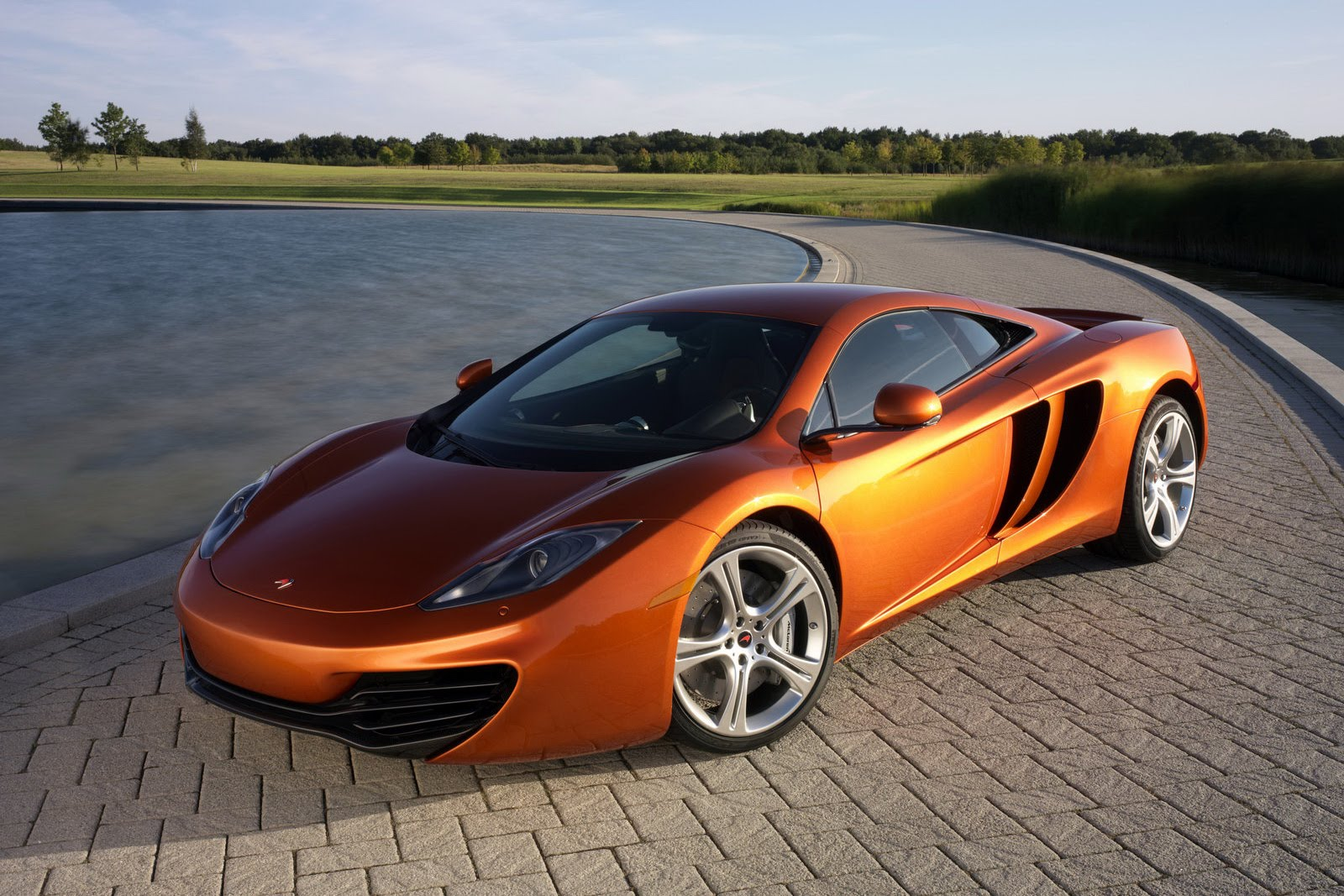 Photo:  d8b176db8e9922a676c22a09f37e0f1e_mclaren-mp4-12c-prices-and-mclaren-car-price-2012_1600-1067
