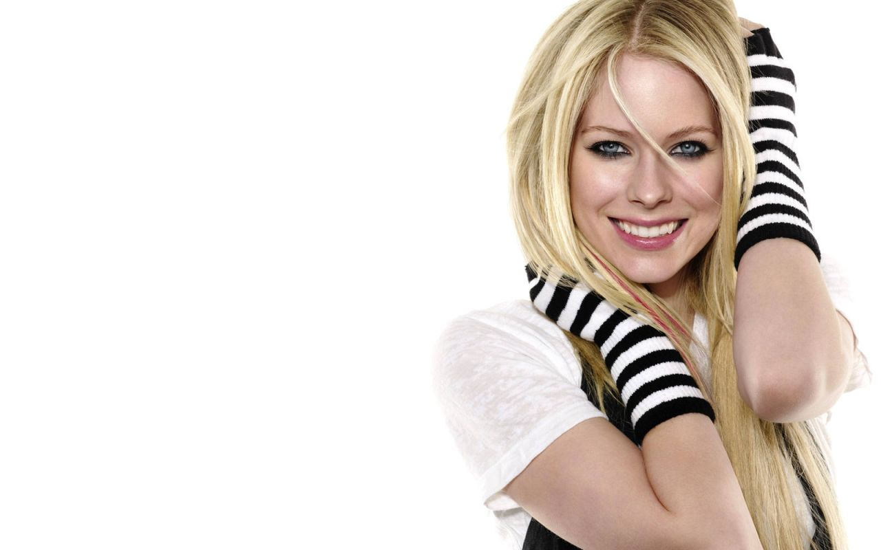 Photo:  Avril Lavigne Celebrities Wallpaper