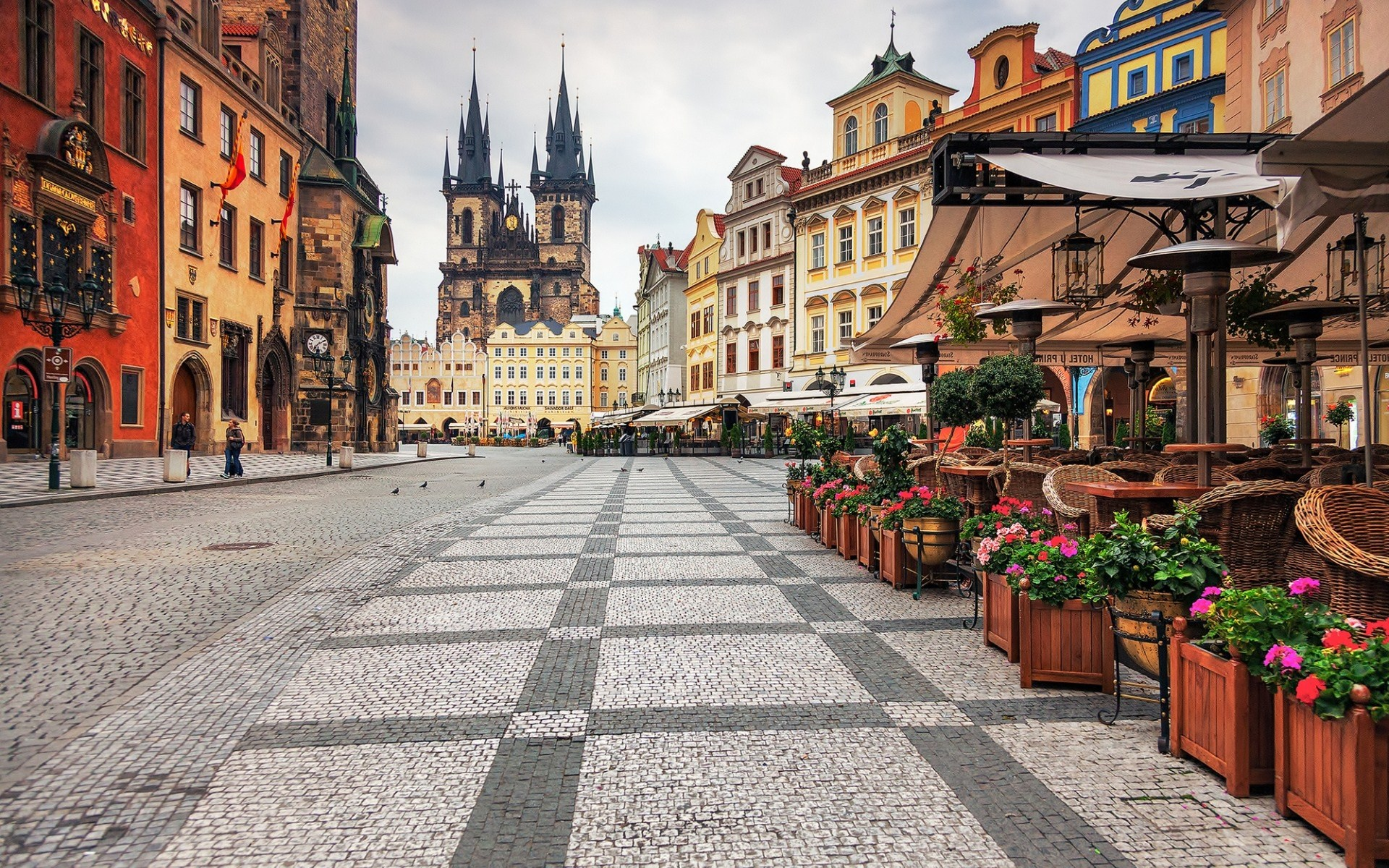 Photo:  Praga wallpaper 07