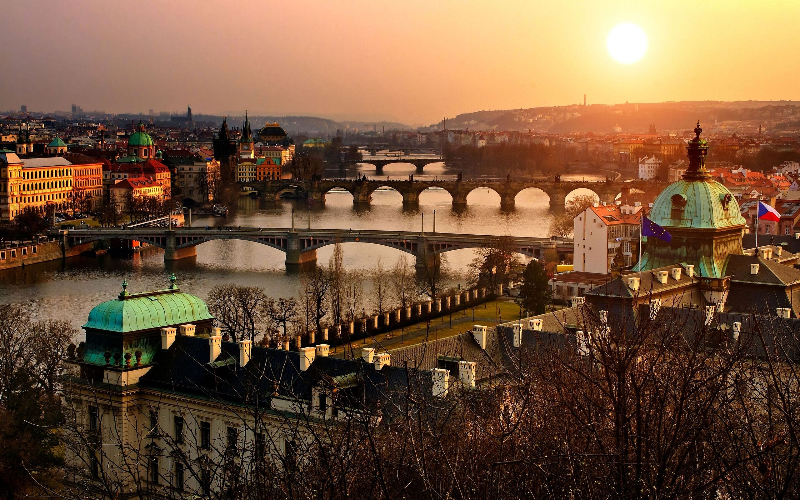 Photo:  Praga wallpaper 08