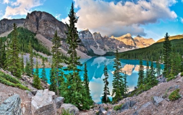 Photo:  Lago Moraine