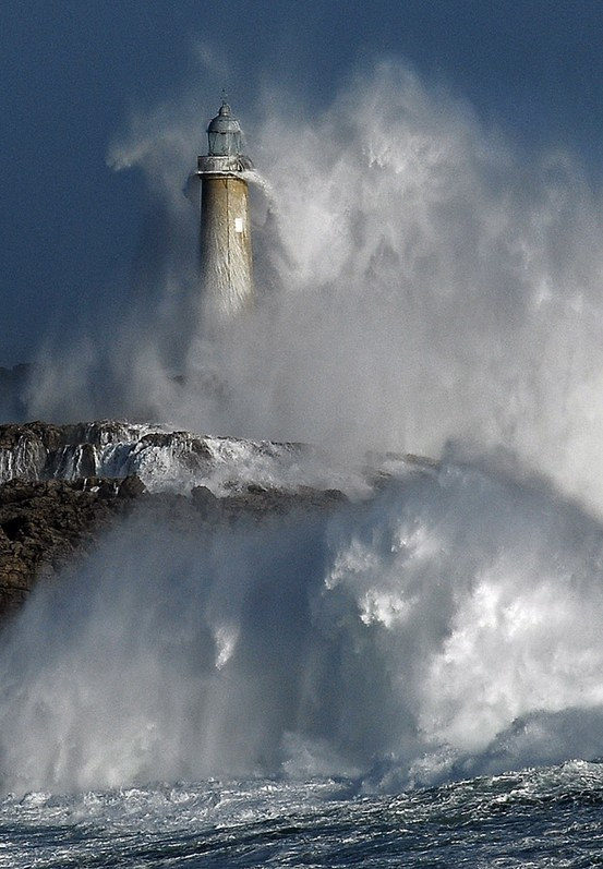 Photo:  Isla De Mouro, Spain