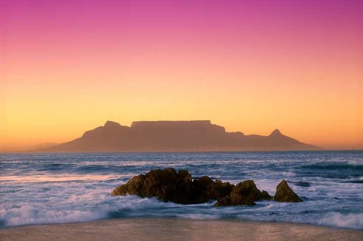 Photo:  Cape Town e Table Mountain