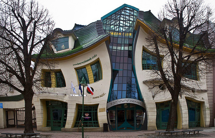 Photo:  'Crooked house'