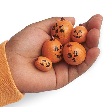 Photo:  mini pumpkins from acorns