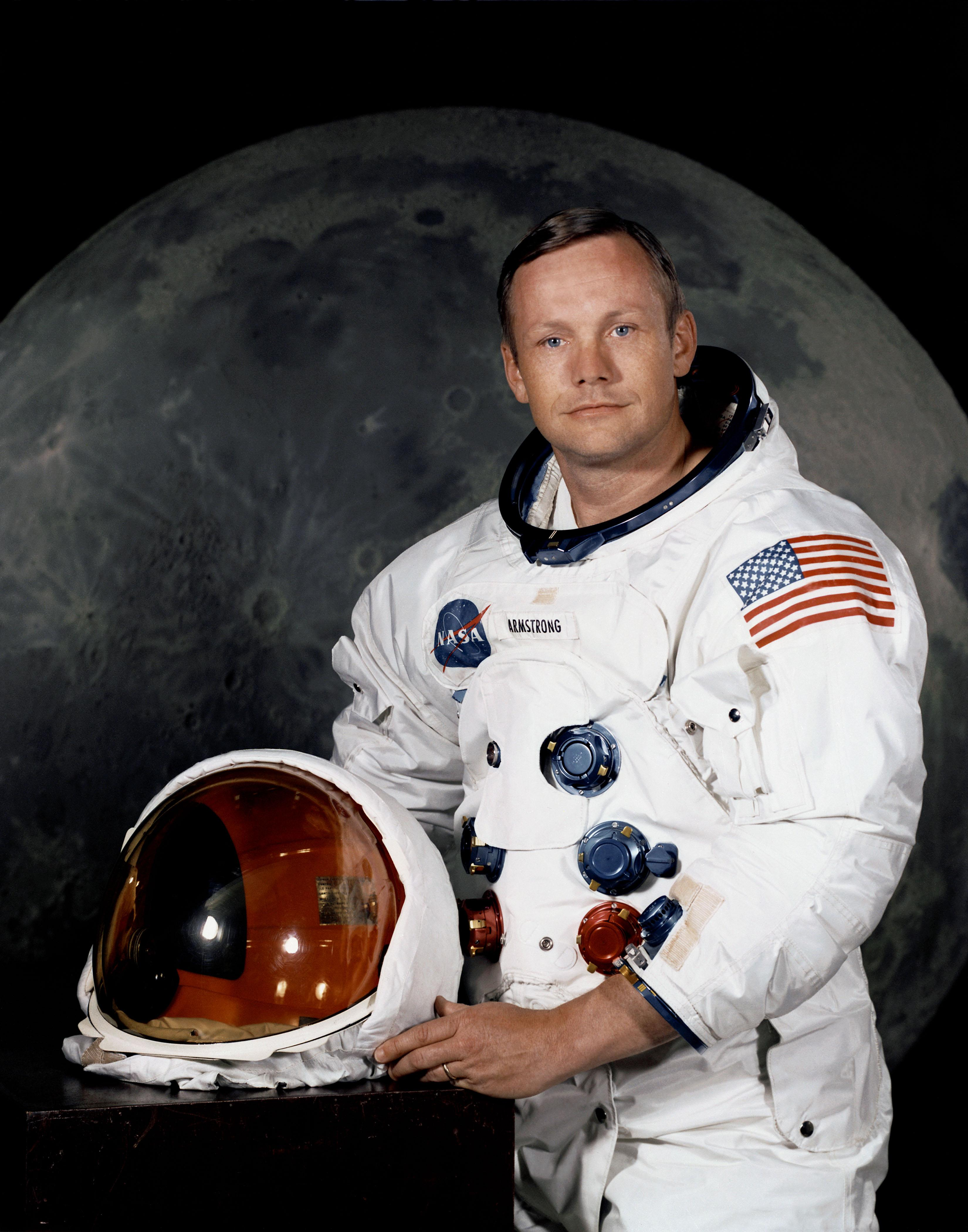 Photo:  Neil_Armstrong_pose