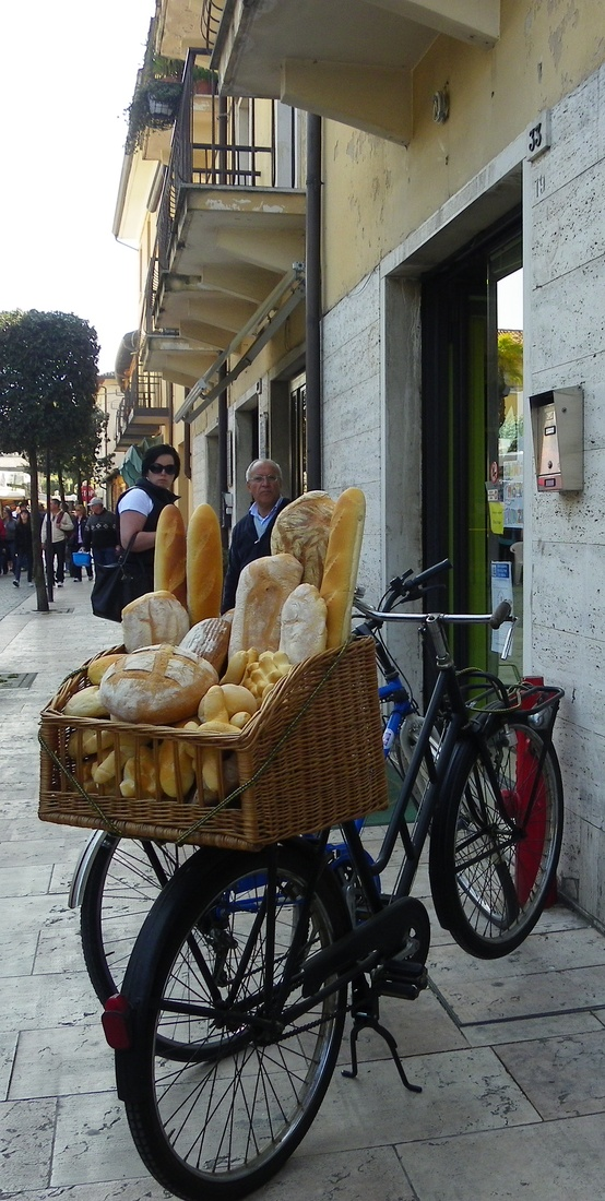 Photo:  bread basket