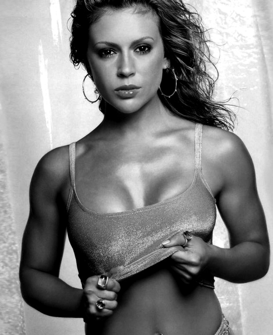 Photo:  Alyssa Milano 10