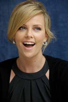 Photo:  Charlize Theron 05