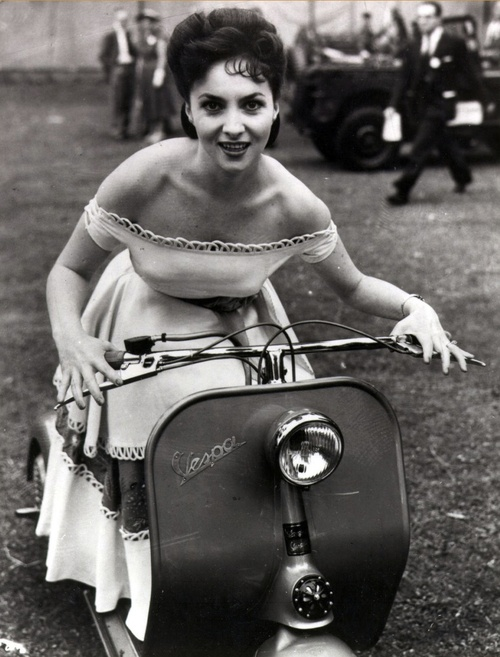 Photo:  Gina Lollobrigida