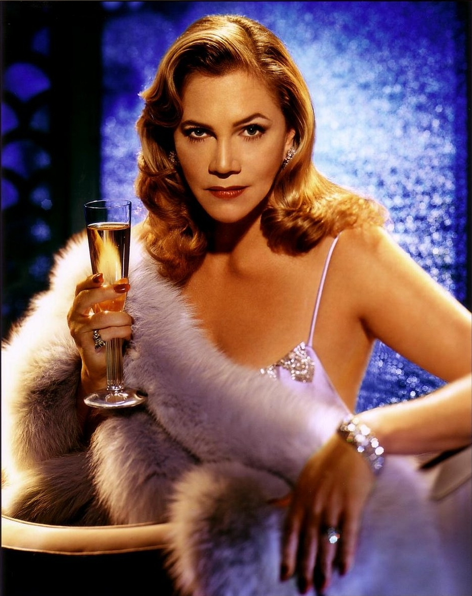 Photo:  Kathleen Turner 01