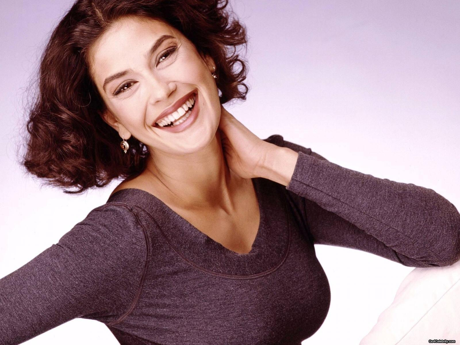 Photo:  Teri Hatcher 04