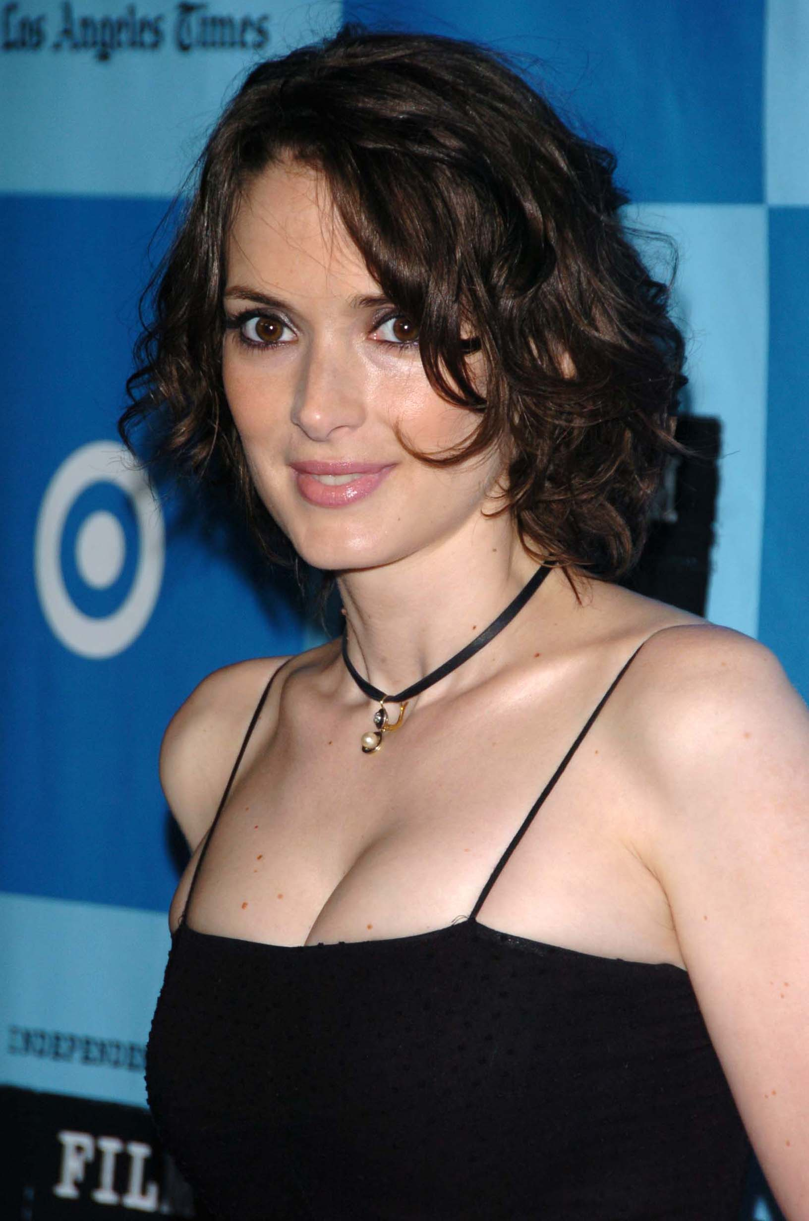 Photo:  Winona Ryder 06