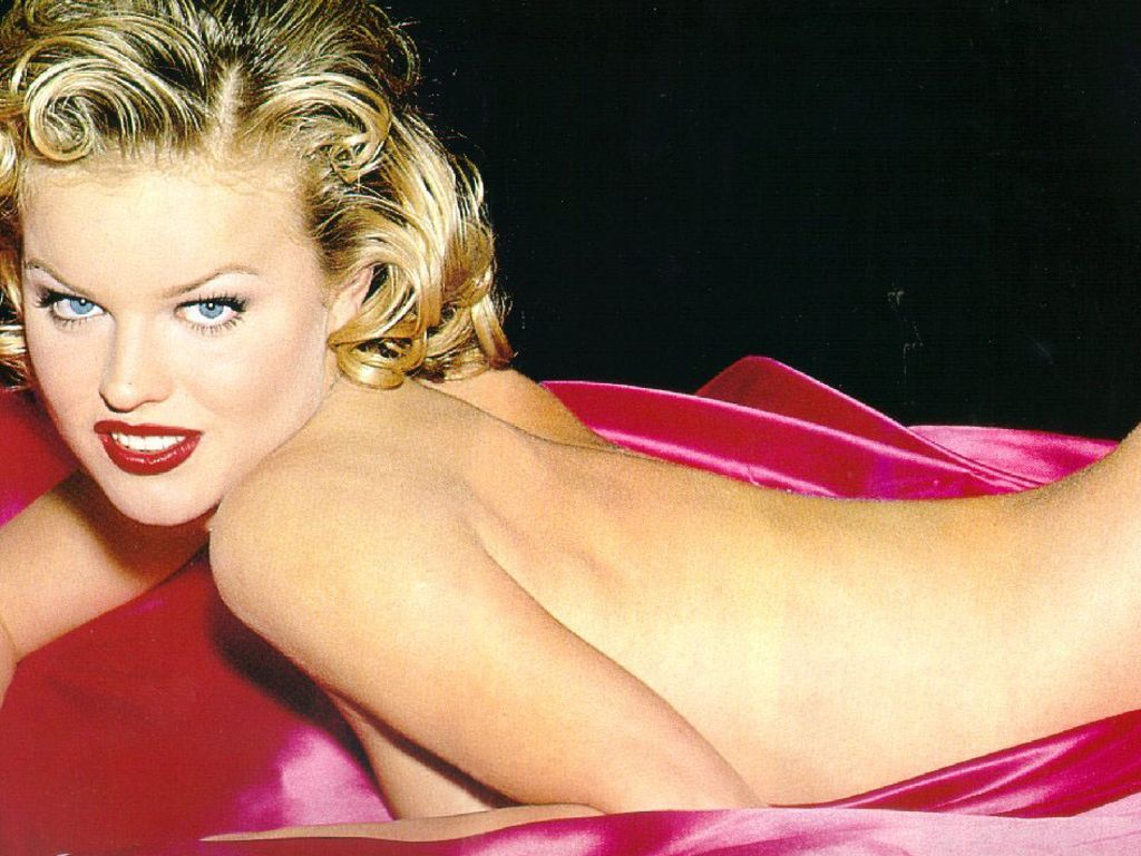 Photo:  Eva Herzigova 07