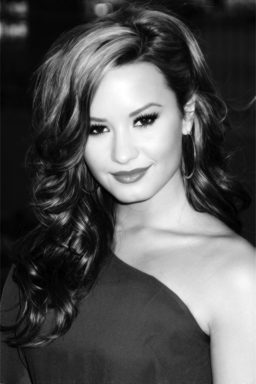 Photo:  Demi Lovato 10