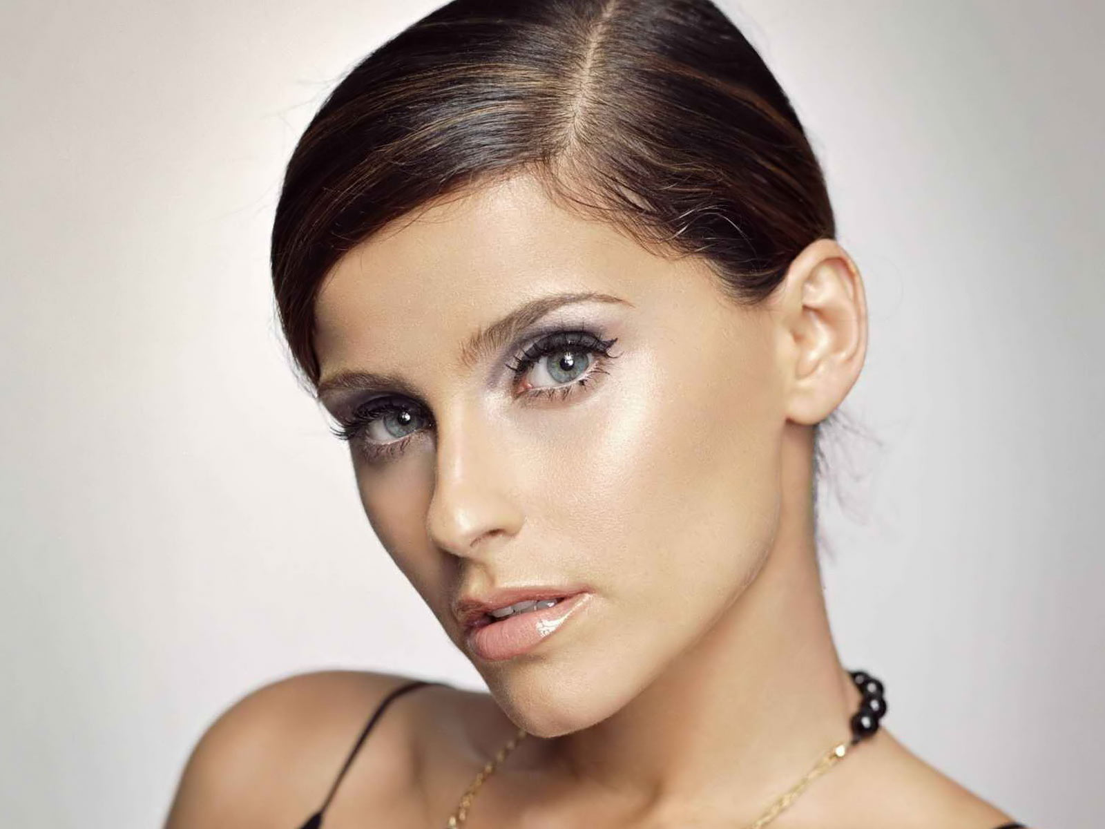 Photo:  Nelly Furtado 03