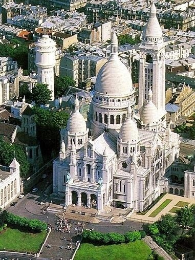 Photo:  Basilica of the Sacred Heart of Paris