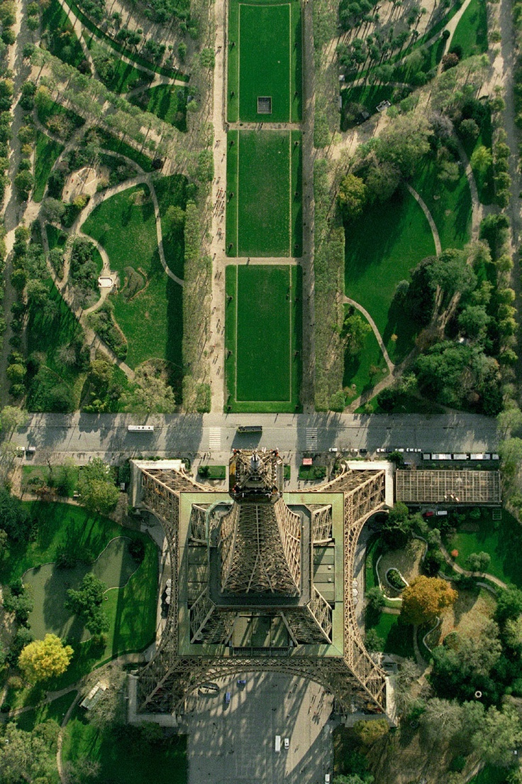 Photo:  Eiffel tower airview